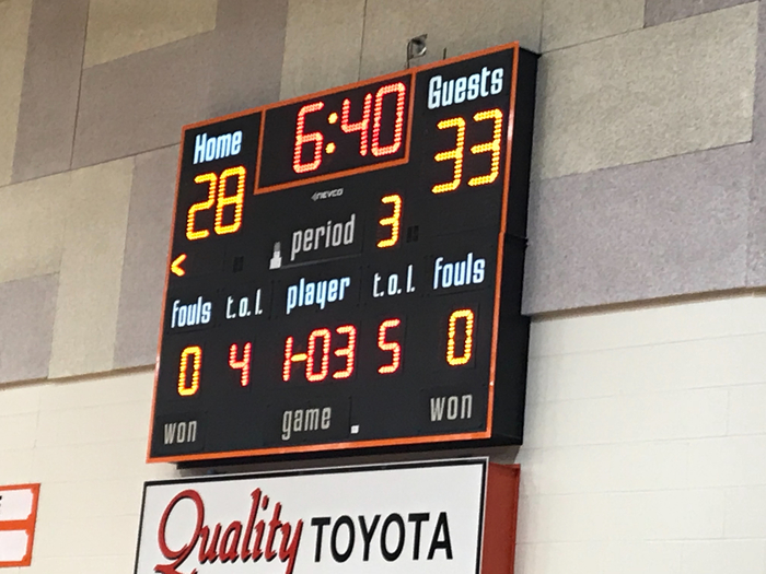Bullpup boys up 5 at half